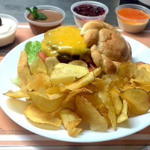 Menus da Hamburgueria (Hambúrguer + Batata + Sobremesa)
